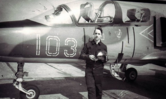 В молодости Роман Аранин был летчиком-испытателем