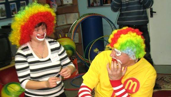 «Особенные» клоуны: познать мир через маску