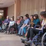 Люди в рамках: Как инвалиды взаимодействуют друг с другом и обществом
