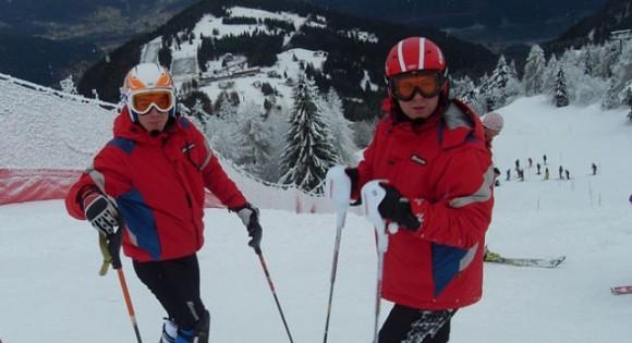 — Горные лыжи — это очень дорогой вид спорта, одни лыжи стоят 25-40 тысяч рублей. У нашей сборной есть спонсоры, но я не знаю, кто. Тренер дает мне лыжи: «На, Саня». Я у него что, спрашивать буду: «Откуда вы их взяли?» Фото © Личный архив.