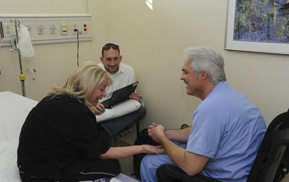 paralizovannyj-xirurg-nashel-sposob-vernutsya-na-rabotu_44285_1