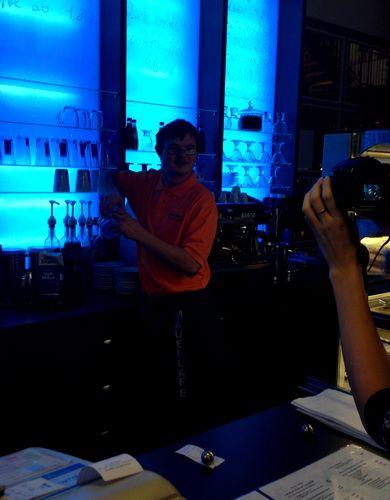 Западная модель интеграции инвалидов: берлинское кафе «Mauer»