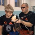 Полная потеря зрения не мешает тренеру по армреслингу из Свердловской области готовить чемпионов