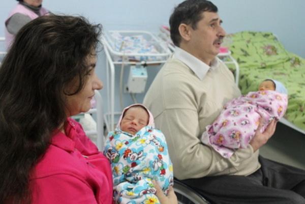 В симферопольской семье инвалидов-колясочников родилась двойня