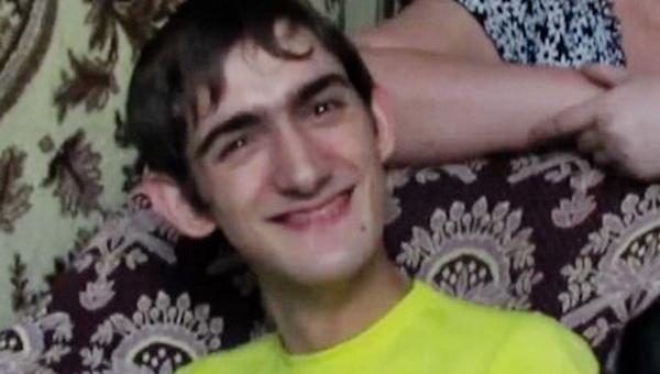 В Саратовской области парализованный программист зарабатывает, печатая ногами