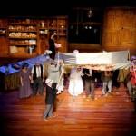 «Руками трогать». Репортаж об израильском театре слепоглухонемых