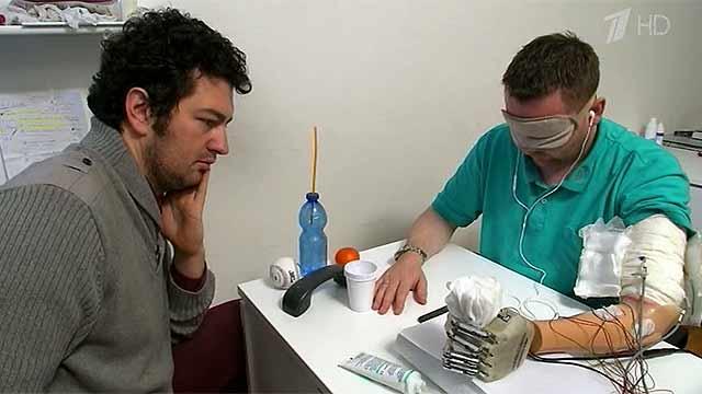 Ученые создали первый в мире протез руки с чувствительными пальцами