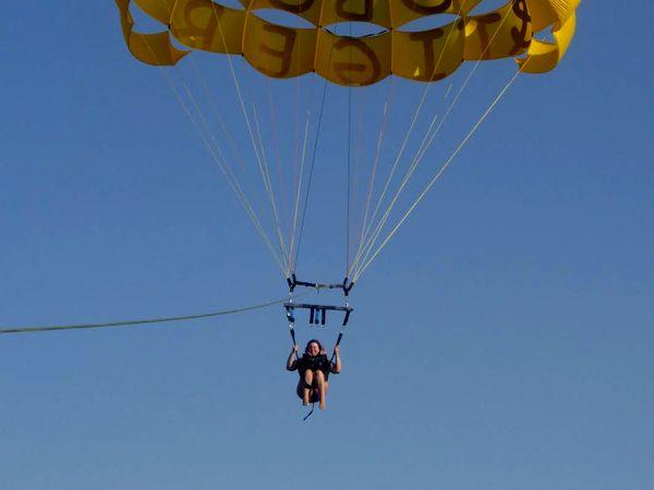 Татьяна Рик на парашюте