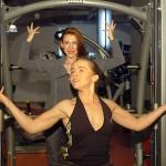 Девушка, потерявшая ноги в ДТП, мечтает стать гимнасткой