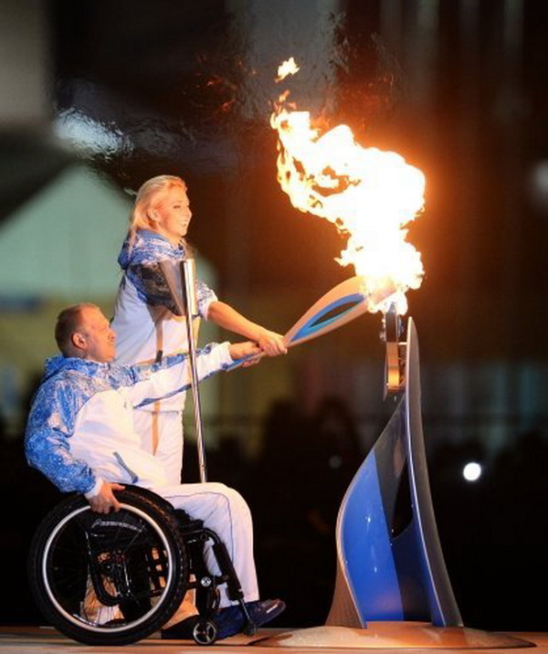 soci-mesalesi-paralimpik-olimpiyatlari-icin-tekrar-yakildi-CHA-1375329-4-t