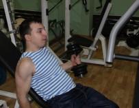 Инвалид-армрестлер, не раз выигрывавший чемпионаты мира, тренирует больных ДЦП