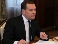 Медведев призвал уделять больше внимания больным аутизмом и быть добрее друг к другу