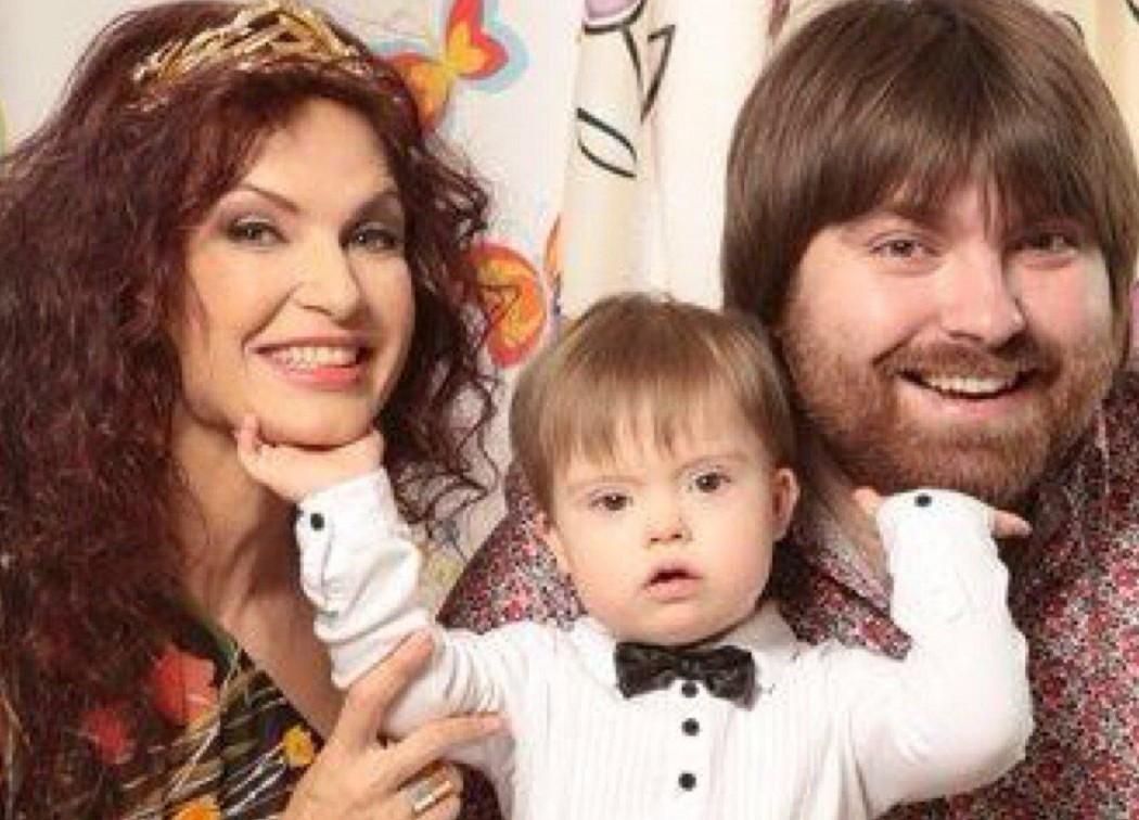 Эвелина бледанс с ребенком сейчас