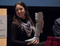 Женщина самостоятельно проектирует и 3D печатает протез ноги