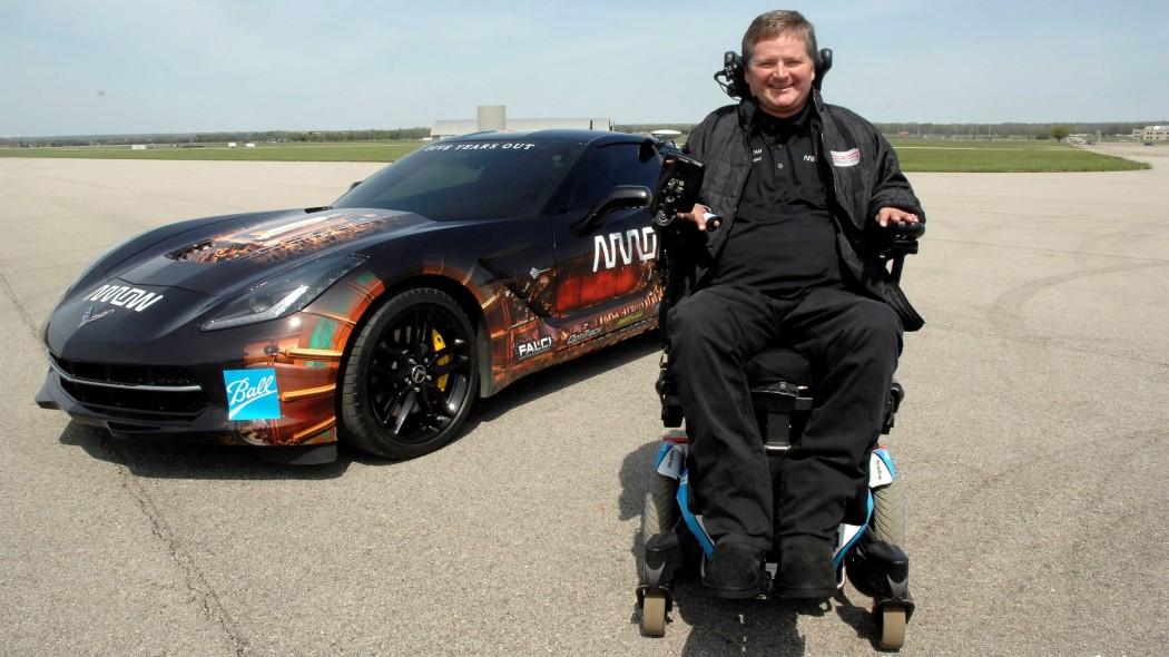 Парализованный гонщик будет участвовать в автогонке «500 миль ...
