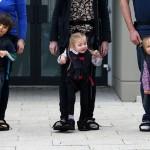 Мама изобрела устройство, которое учит детей ходить