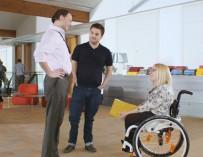Общение с инвалидом: обучающие видео с юмором