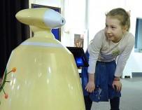 Железный нянь. Сибирский инженер создал робота-воспитателя для дочери