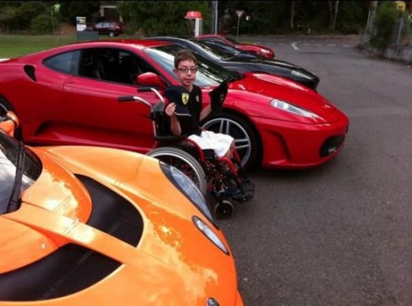 6342660-R3L8T8D-650-Disabled-Sports-Car-sm
