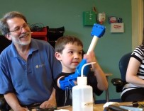 Участники e-NABLE напечатали протез руки для 6-летнего мальчика