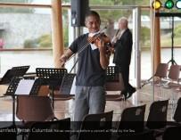 Однорукий скрипач Адриан Анантаван: «Скрипка была моим способом стать не хуже одноклассников»