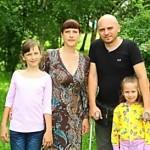 Максим Яковлев: Гнал жену прочь — считал, зачем ей безногий инвалид, а она кормила его с ложечки