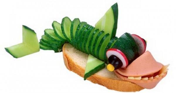 Обычный бутерброд из белого хлеба с колбасой очень опасен для больных целиакией