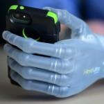 Бионическим протезом управляют с помощью iOS-приложения
