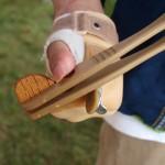 Японский мастер создал уникальные китайские палочки для людей с ограниченными возможностями