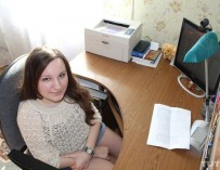 Инвалид-колясочник Анна Авдиевич работает бухгалтером, учится на логиста и мечтает создать семью