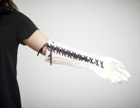 Студент напечатал прекрасный протез руки для своей подруги