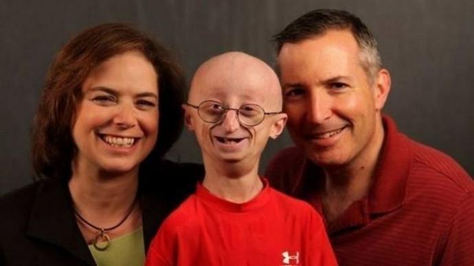 Сэм с родителями