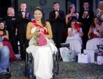 В Москве выбрали победительницу конкурса красоты для девушек с инвалидностью