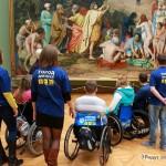 Мисс Мира среди колясочников проверила Третьяковскую галерею на доступность