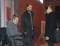 «Не надо прикрываться инвалидностью». Колясочники встали на сторону клуба, куда не пустили инвалида