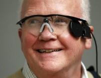 Врачи вернули зрение слепому мужчине