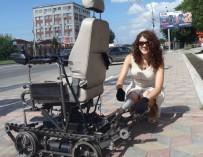 Новосибирские инженеры создали коляску, способную преодолевать лестничные пролёты