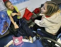 Правительство запустит социальную рекламу про девочек-инвалидов