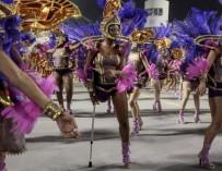 Изображение одноногой танцовщицы вошло в число «Самых удивительных фото 2014 года» по версии Time