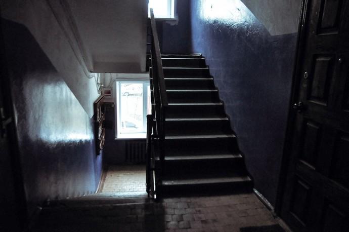 Подъезд в доме Сергея Яркова невозможно приспособить для инвалидной коляски Фото Марии Литвиновой