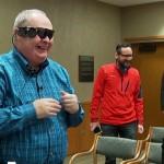 Слепой мужчина впервые за 10 лет смог увидеть жену при помощи бионического глаза