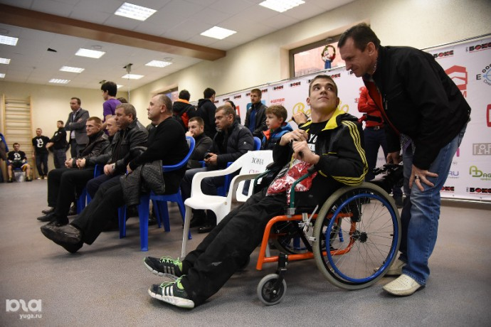 Спарринг-партнер Кличко избил российского боксера