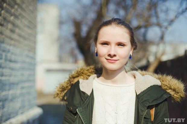 0_yarivanovich_gomel_glukhaya_aktrisa_yana_novikova
