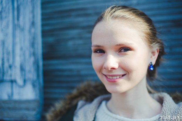 1_3_yarivanovich_gomel_glukhaya_aktrisa_yana_novikova