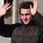 Чтобы удивить глухого парня, целый городок выучил язык жестов