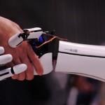 Японская компания создала дешевую бионическую руку