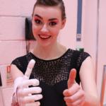 Актриса Грейс Мандевиль получила 3D печатный протез руки, инкрустированный кристаллами Swarovski