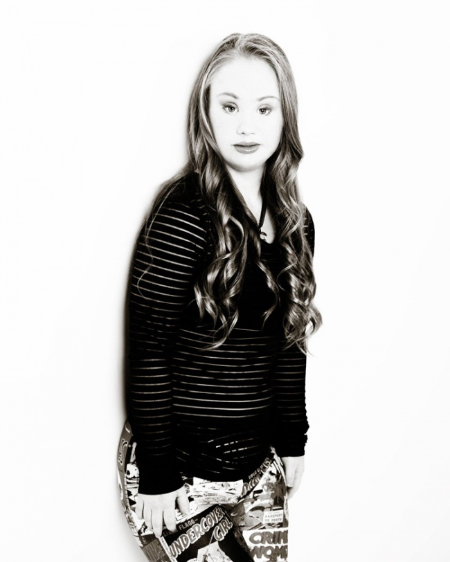 16292810-R3L8T8D-650-down-syndrome-model-madeline-stuart-aus