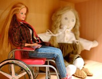 Барби в инвалидной коляске и другие особенные куклы