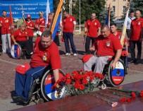 «Сильные духом»: инвалиды-колясочники отправились в Донбасс поздравить ветеранов